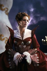 Julia Roberts as Queen Clementianna - Roberts was the first to be cast, because very early Tarsem Singh wanted an Evil Queen audiences could relate with