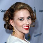 Scarlett Johansson began dating Canadian actor Ryan Reynolds in 2007 and in May 2008 it was reported that they were engaged. On September 27, 2008, the couple married in British Columbia. On December 14, 2010, the couple announced their separation.